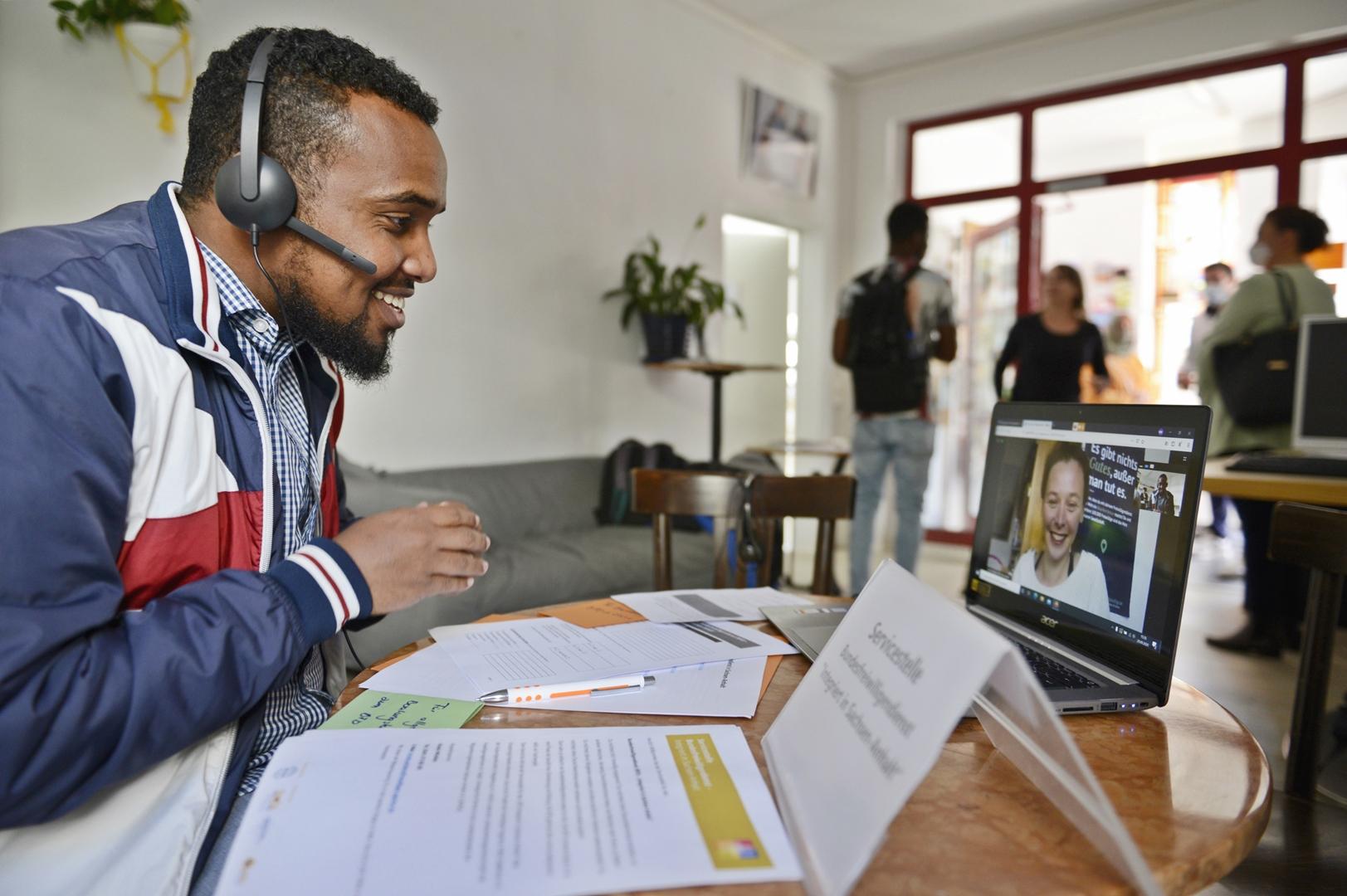 Ab 15.10.2021: Online-Schulungen für Organisationen zur Freiwilligendienstberatung von Menschen mit Migrationserfahrung